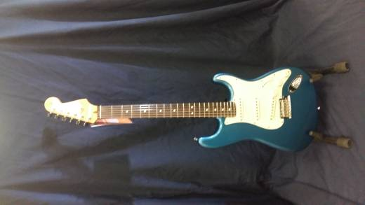 Fender American Pro Strat in Lake Placid Blue